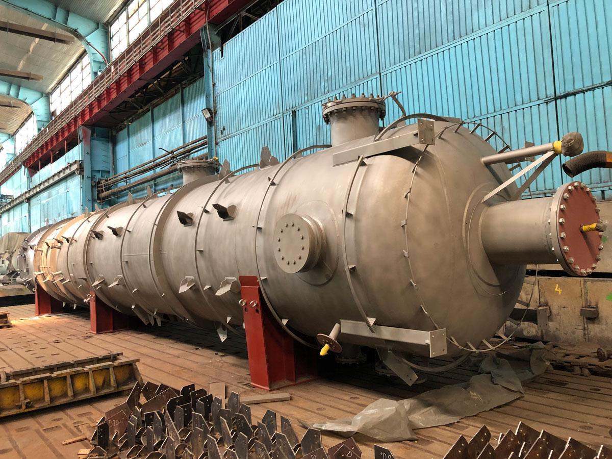 process equipment column refinery lukoil russia